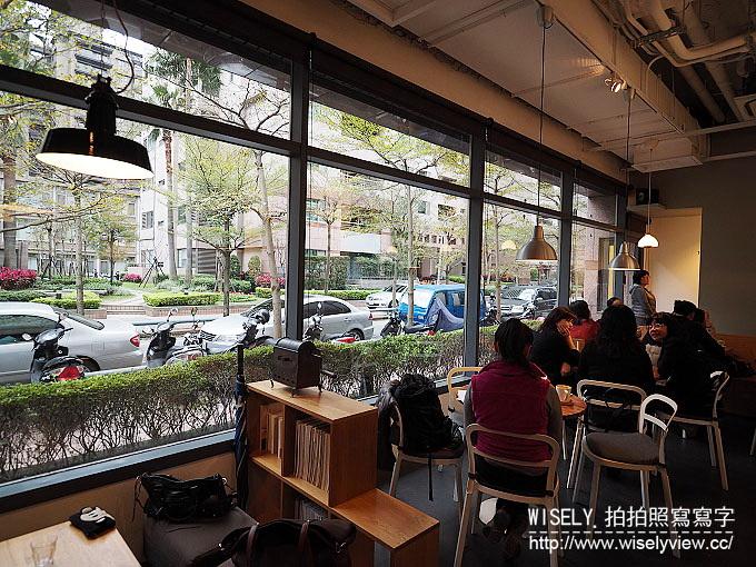 【食記】台北中山。捷運松江南京站:Fika Fika Café@伊通街裡冠軍光環的北歐風咖啡館 @WISELY's 拍拍照寫寫字