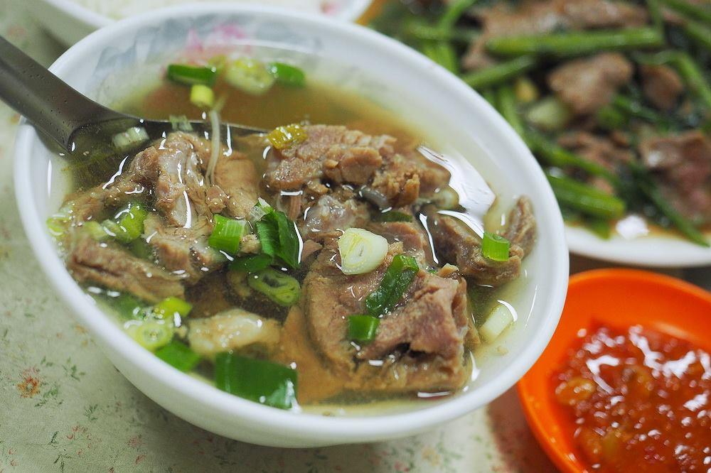 【食記】台北大同。捷運大橋頭站:新營人牛肉(延三夜市)@美味牛雜湯與汕頭沙茶牛肉麵 @WISELY的拍拍照寫寫字
